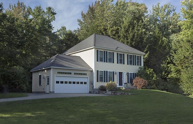 Colonial,New Englander,Walkout Lower Level, Single Family - Peterborough, NH (photo 1)