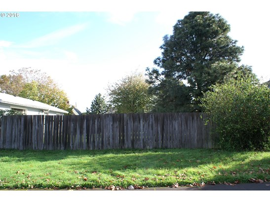 6836 Ne Grand Ave, Portland, OR - USA (photo 1)