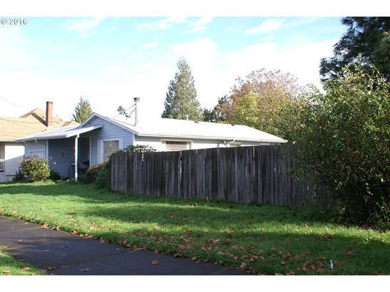 6836 Ne Grand Ave, Portland, OR - USA (photo 3)
