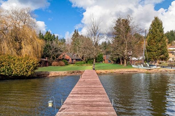 17345 17347 Beach Dr Ne, Lake Forest Park, WA - USA (photo 5)