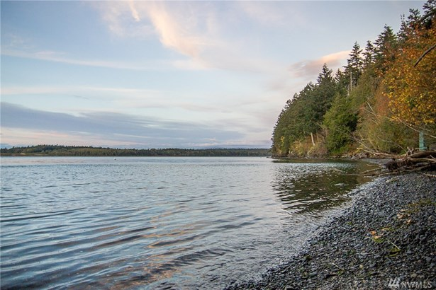 1424 Seacrest Dr, Lummi Island, WA - USA (photo 2)