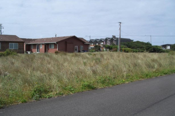 1603 Nw Oceanic Loop, Waldport, OR - USA (photo 1)