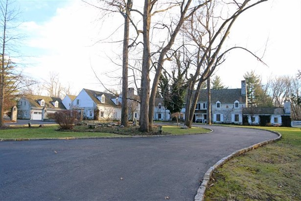 8065 Spiritwood Ct, Indian Hill, OH - USA (photo 1)