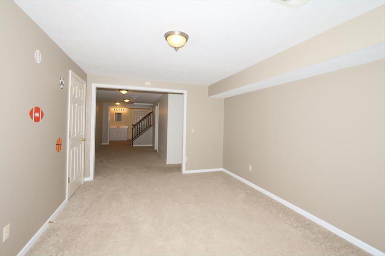 1590 Hunt Club Dr, Day Heights, OH - USA (photo 3)
