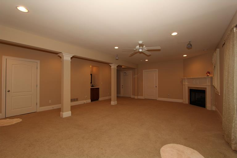 4382 Logsdons Woods Dr, Liberty Twp, OH - USA (photo 3)