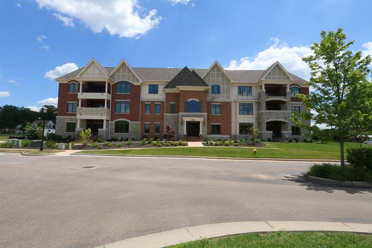9506 Park Manor, 202 202, Blue Ash, OH - USA (photo 1)
