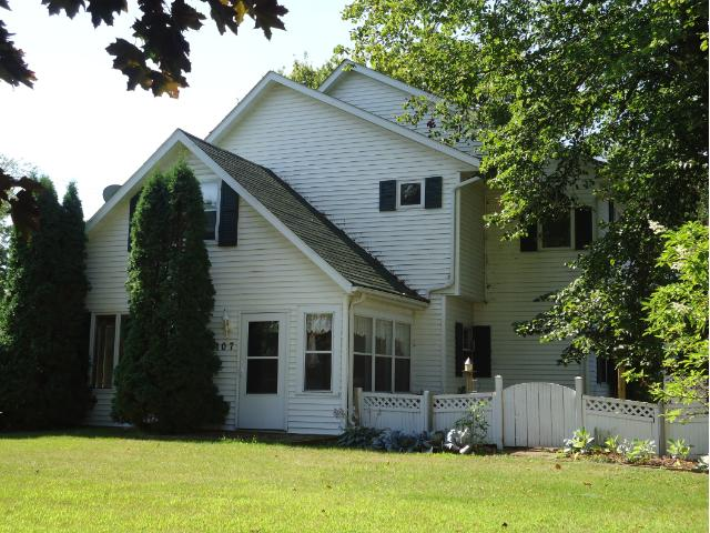107 3rd Street, Pepin, WI - USA (photo 1)