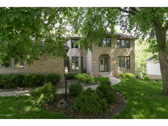 2131 Baihly Hills Drive Sw, Rochester, MN - USA (photo 3)