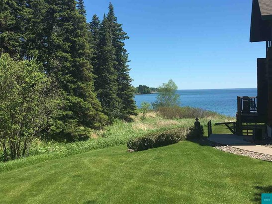 2826 Hwy 61, Two Harbors, MN - USA (photo 2)