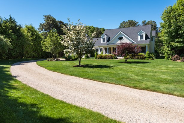 63 Farm Valley Road, Osterville, MA - USA (photo 2)