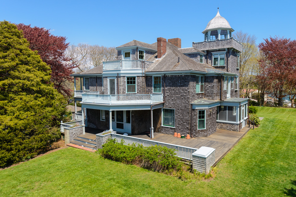 39 Juniper Point Rd, Woods Hole, MA - USA (photo 2)