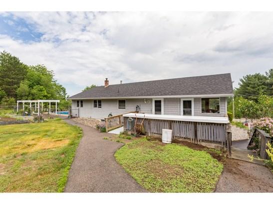 Ranch,Walkout Lower Level, Single Family - Farmington, NH (photo 5)
