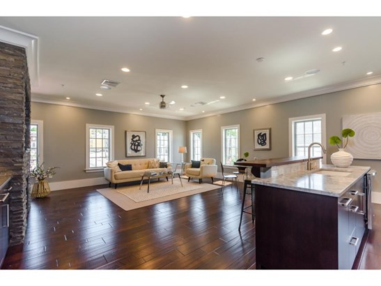 Contemporary,Townhouse, Condo - Portsmouth, NH (photo 2)