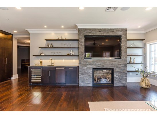 Contemporary,Townhouse, Condo - Portsmouth, NH (photo 5)