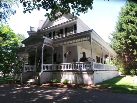 Victorian, Single Family - Franklin, NH (photo 5)