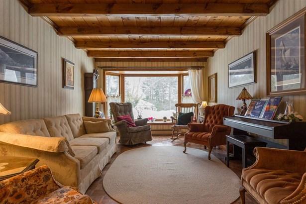 Ranch, Single Family - Dover, NH (photo 5)