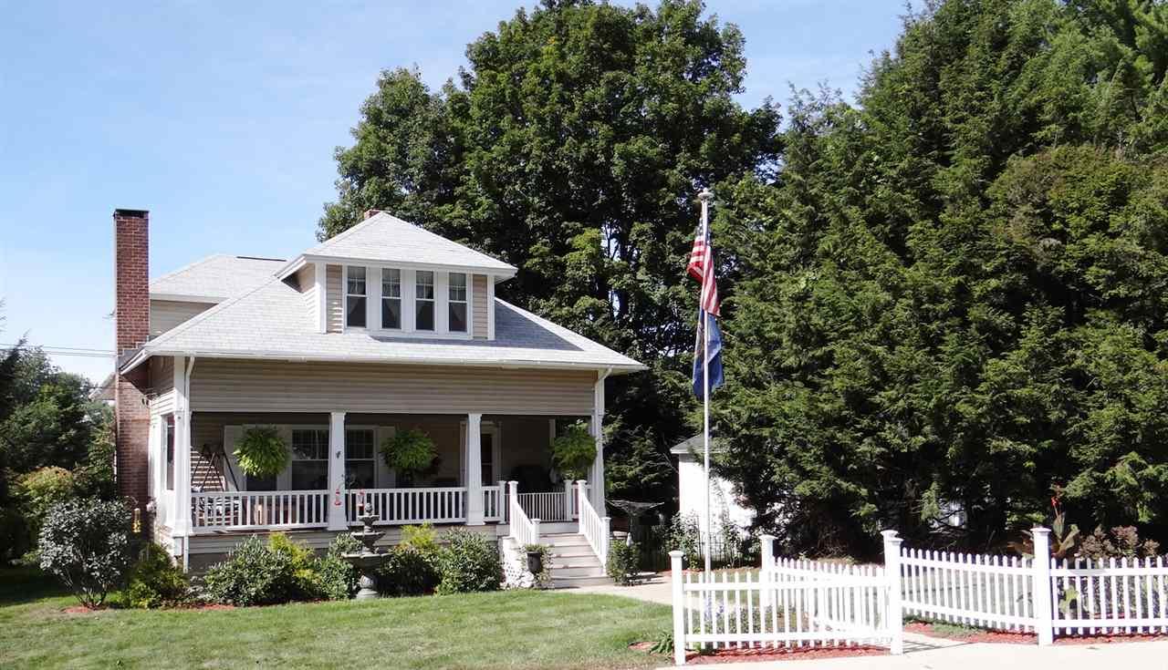Bungalow, Single Family - Claremont, NH (photo 1)