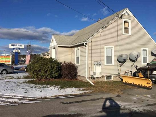 Cape, Single Family - Rochester, NH (photo 2)