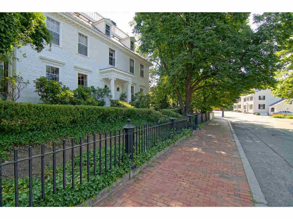 Carriage,Colonial, Single Family - Portsmouth, NH (photo 2)