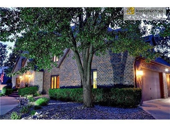 4309 Sw Hickory Lane, Blue Springs, MO - USA (photo 3)
