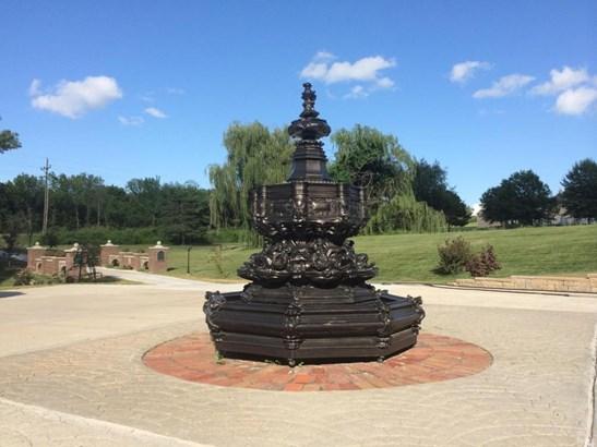 Fountain (photo 4)