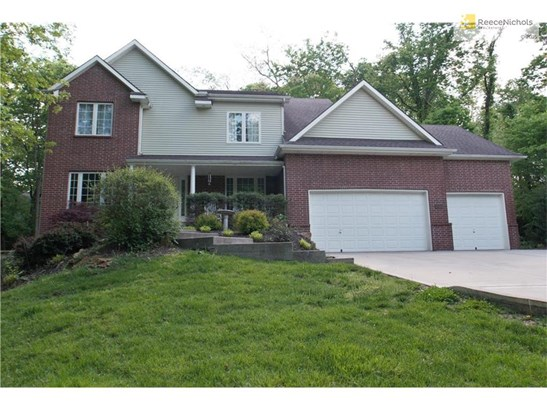 See the entire floor plan and virtual tour at http://www.seetheproperty.com/u/223553 (photo 2)