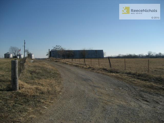 S Cowger Road, Peculiar, MO - USA (photo 1)