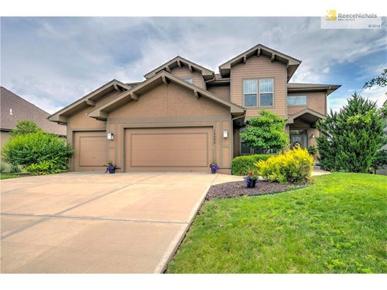 Stunning Move in Ready, Craftsman style with 9' ceiling on 1st and 2nd floor, (photo 1)