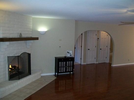 3320 Sw Macvicar Ave , Topeka, KS - USA (photo 4)
