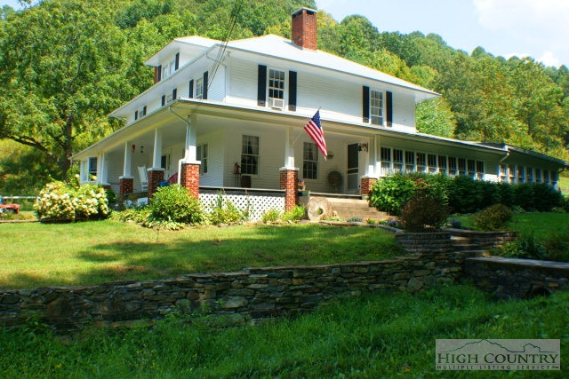 Farmhouse, Single Family - Vilas, NC (photo 1)