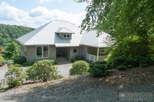 Cottage,Mountain, Single Family - Fleetwood, NC (photo 1)