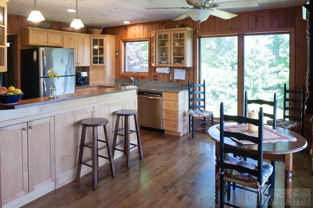 Cottage,Mountain, Single Family - Fleetwood, NC (photo 5)