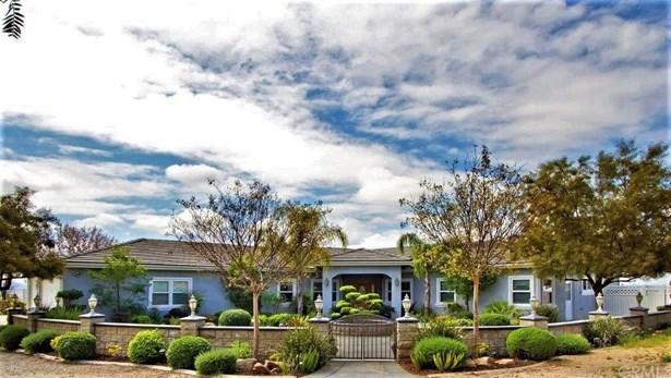 Mediterranean, Single Family Residence - Sage, CA (photo 4)