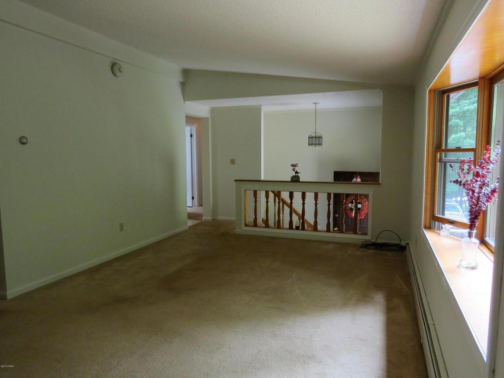 Bi-Level, Detached - Hawley, PA (photo 4)
