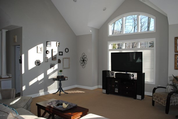 Residential, Contemporary - Greentown, PA (photo 4)