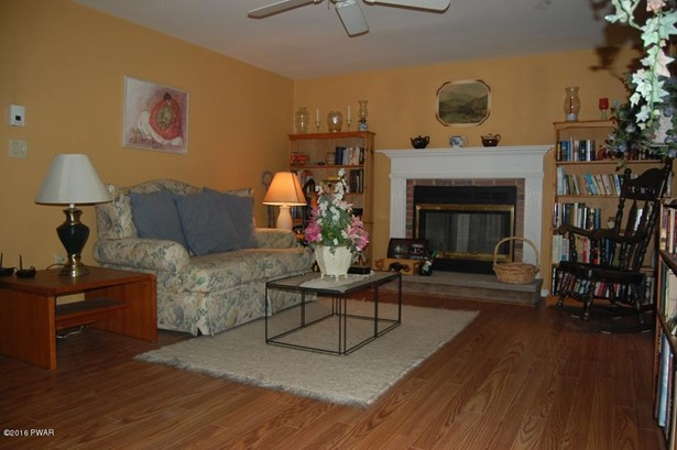 Colonial, Detached - Greeley, PA (photo 5)