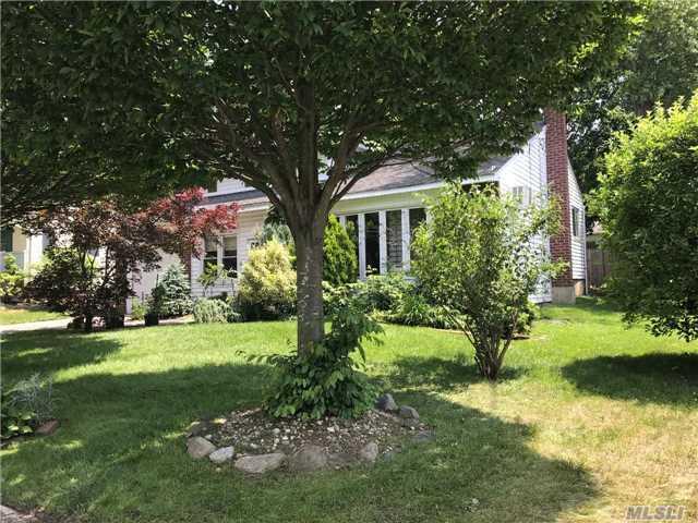 Residential, Split - Huntington Sta, NY (photo 2)