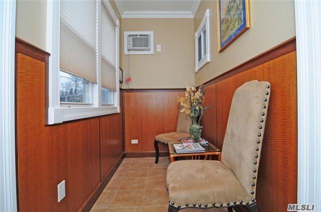 Residential, Split - Huntington Sta, NY (photo 4)