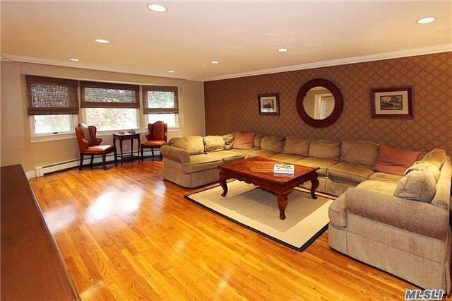 Residential, Colonial - East Hills, NY (photo 3)