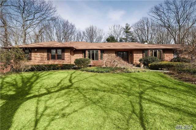 Residential, Ranch - Oyster Bay Cove, NY (photo 1)