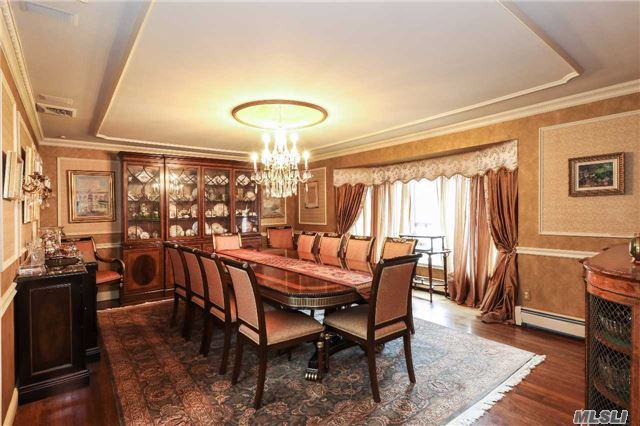 Residential, Ranch - Oyster Bay Cove, NY (photo 4)