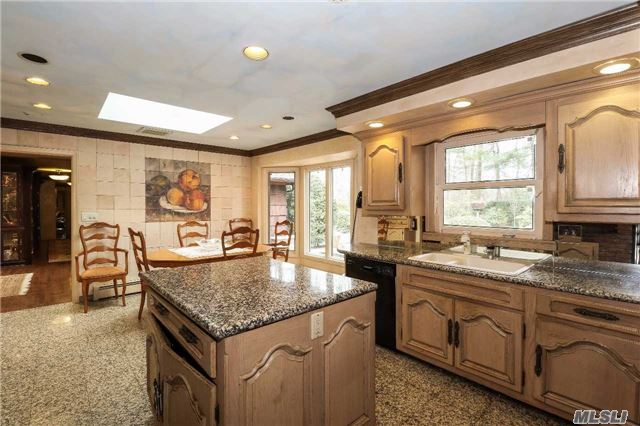 Residential, Ranch - Oyster Bay Cove, NY (photo 5)