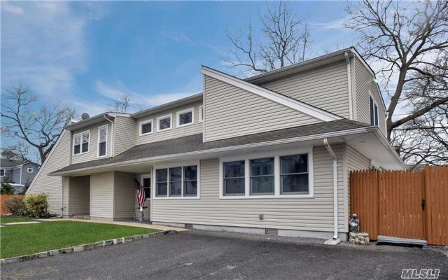Residential, Modern - Bayville, NY (photo 1)