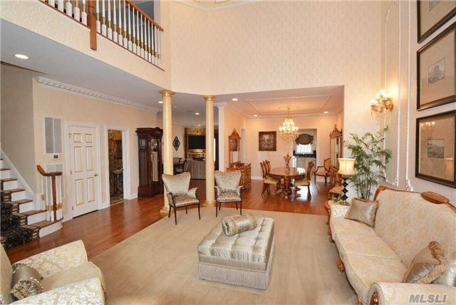 Rental Home, Colonial - Manhasset, NY (photo 5)