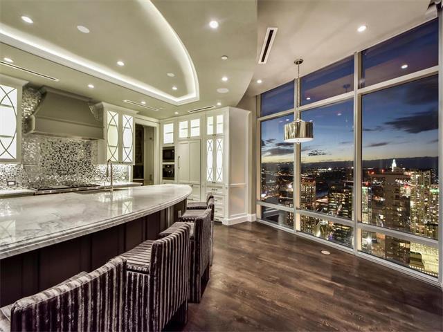 Condo - Elevator,End Unit,High Rise (8-13 Stories),Single level Floor Plan (photo 1)
