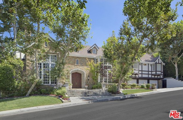 Tudor, Single Family - Los Angeles (City), CA (photo 2)