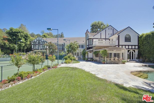 Tudor, Single Family - Los Angeles (City), CA (photo 3)