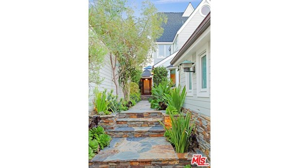 Traditional, Single Family - Malibu, CA (photo 3)