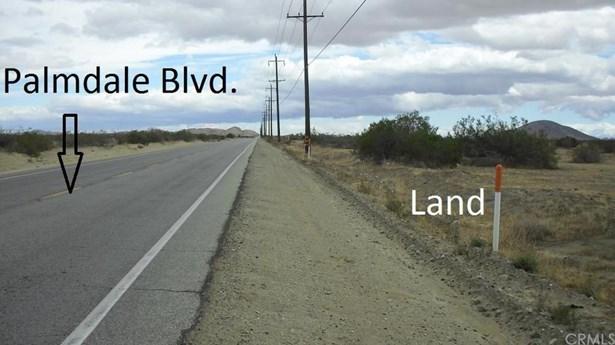 E Palmdale Boulevard Pav /vi, Palmdale, CA - USA (photo 2)