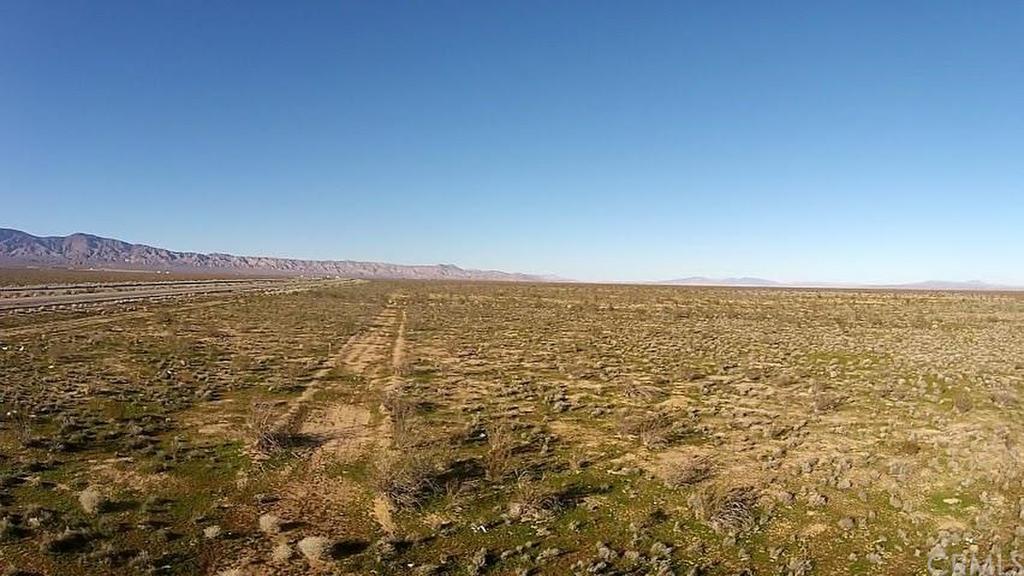 Hwy 58, Mojave, CA - USA (photo 3)